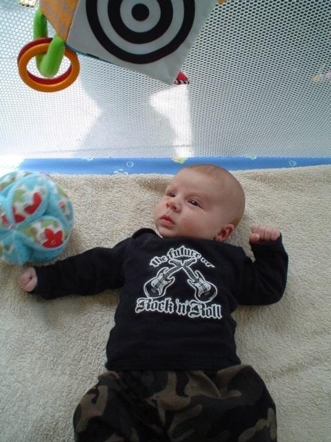 Fan van het eerste uur met Rock Your Baby broek en shirt