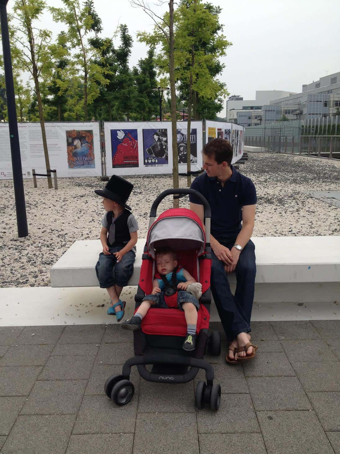 Even uitrusten bij het MuseumPark (c) Love4Kidz