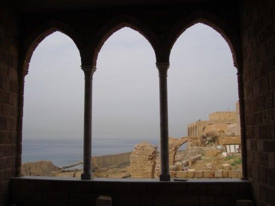 The Phoenician wall in Batroun (c) Srsck