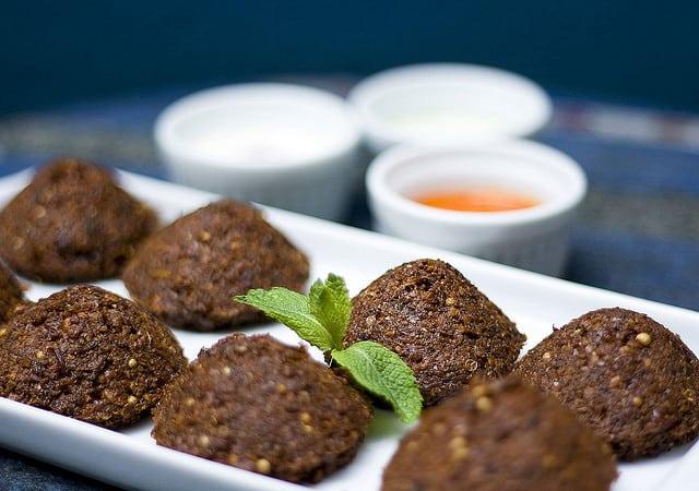 Verschillende varianten Falafel (c) Fernando Stankuns via Flickr