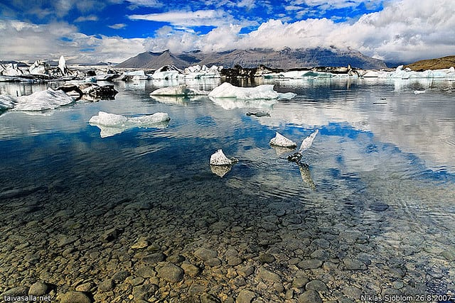 Het Jökulsárlón meer in Ijsland (c) taivasalla