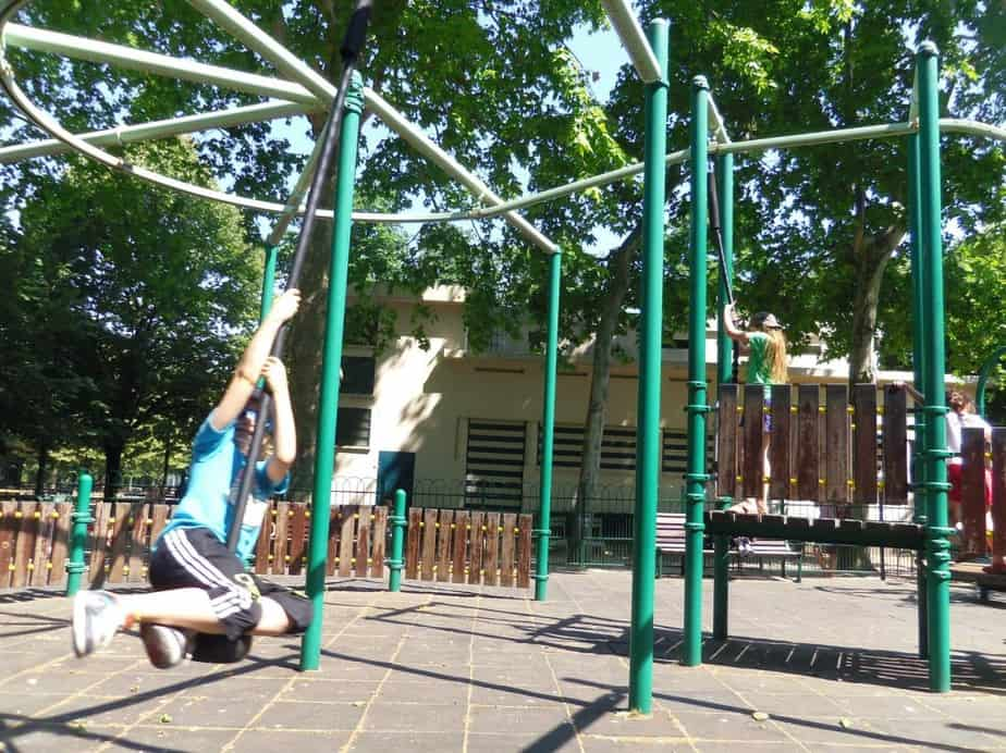 Kinderen vervelen zich niet in Parijs (c) Srsck
