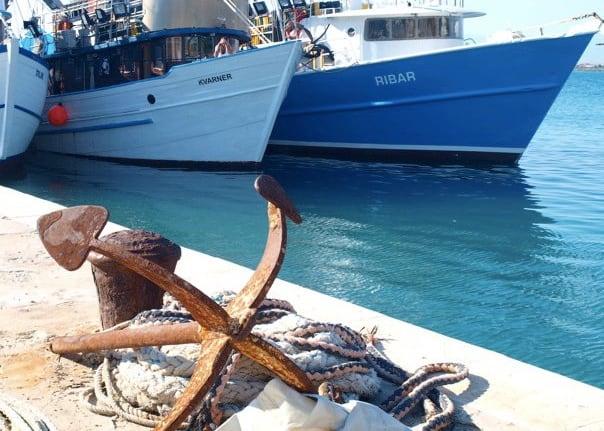 Het haventje van Privlaka (c) Chasing the Donkey