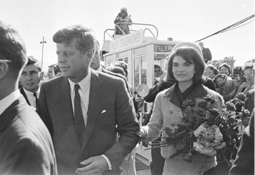 Het beroemd mantelpakje van Jackie op de dag van de moord
