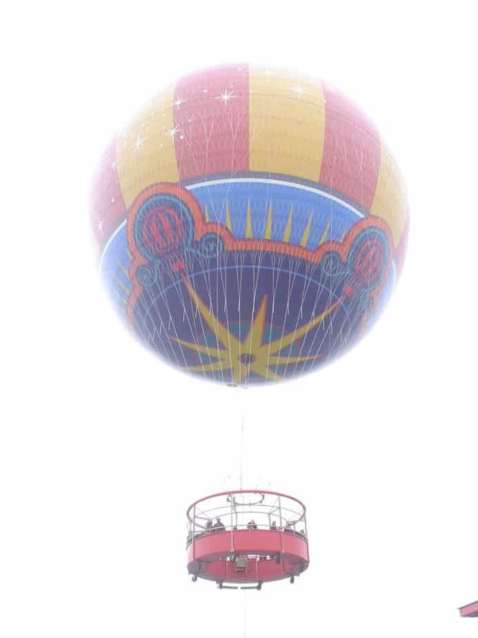 Ballon in Disney Village
