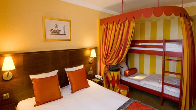 Kleurrijke kamers (c) Vienna International Magic Circus Hotel