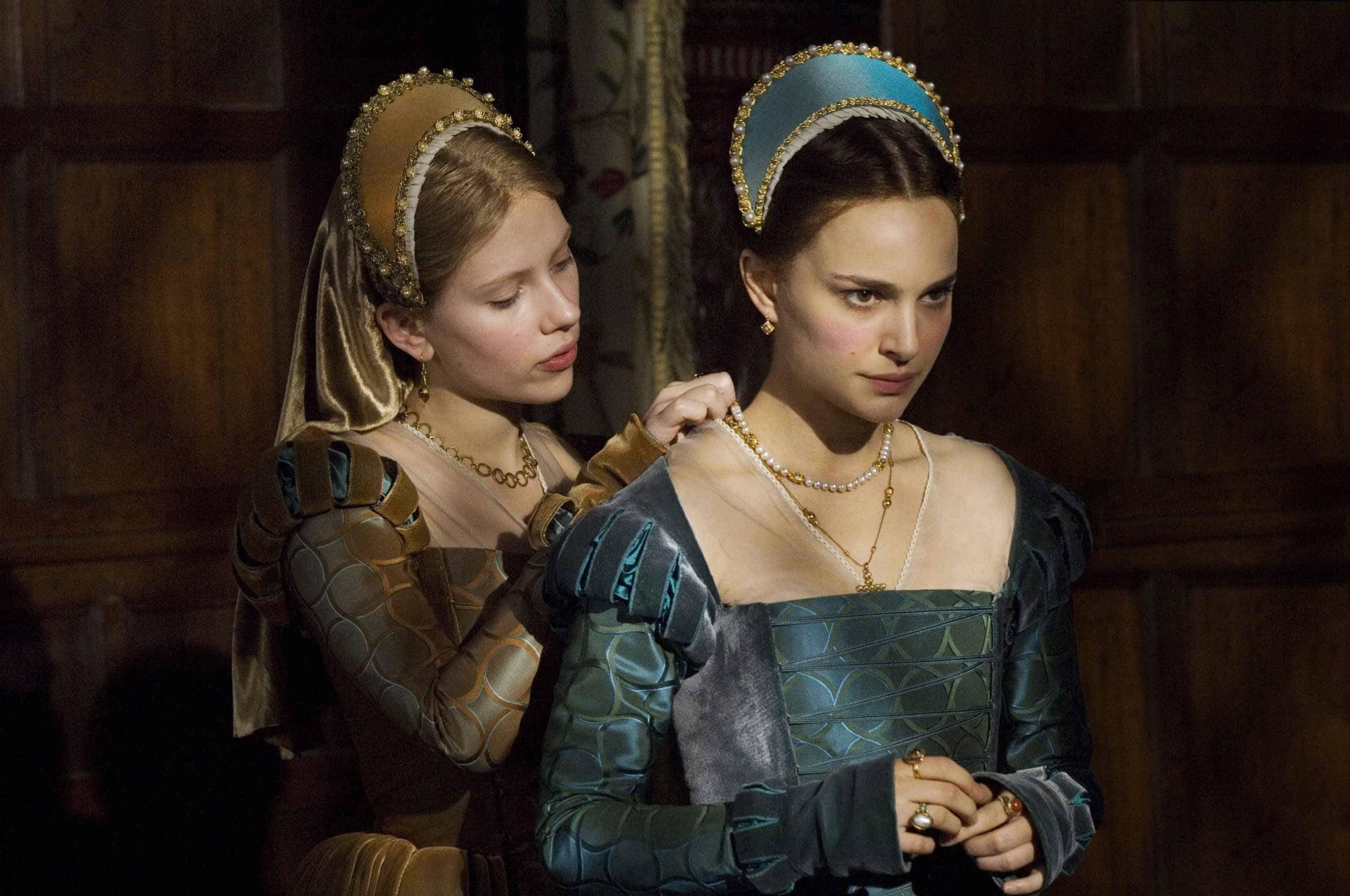 Kostuums van voor Scarlett Johansson and Natalie Portman