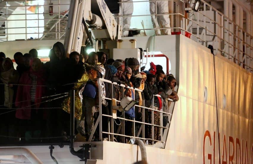 De Gregoretti komt aan in Palermo met meer dan duizend vluchtelingen en migranten die ze op zee gered hebben. (c) UNHCR/Francesco Malavolta