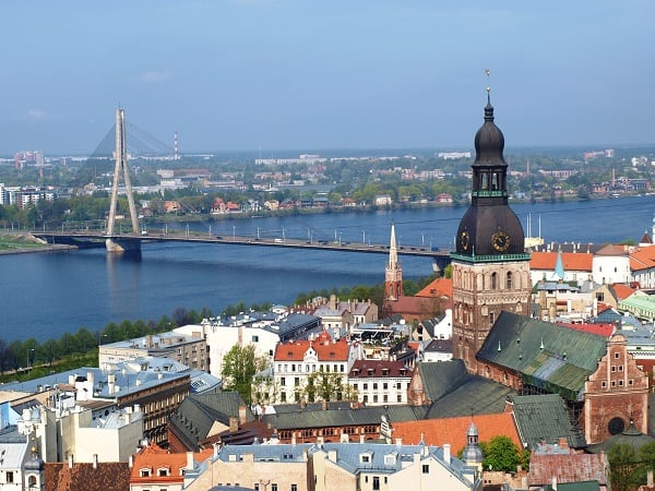 Uitzicht Riga vanaf St Pieterskerk