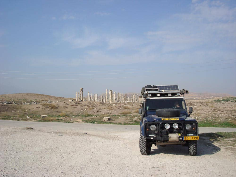 Onze trouwe Landrover in Syrie